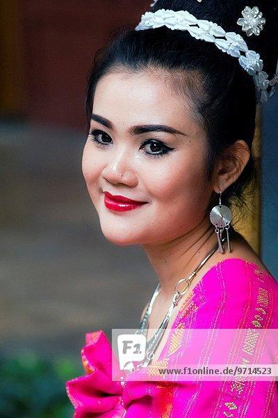 Bangkok Hauptstadt Portrait jung Mädchen Asien thailändisch Thailand