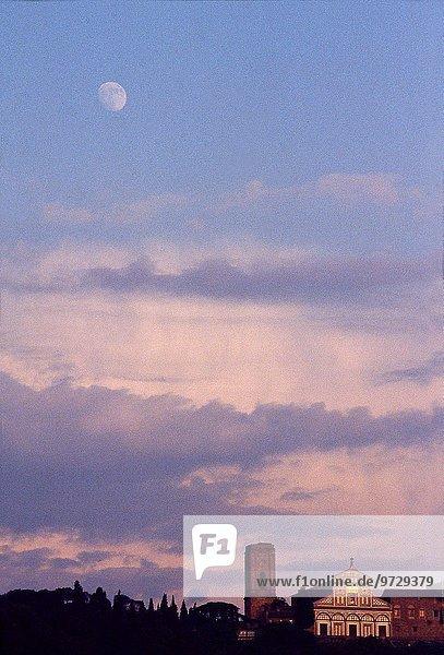 Mond Florenz Italien Dämmerung