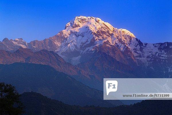 entfernt Berg Tal Dorf Messgerät Annapurna Ghandruk