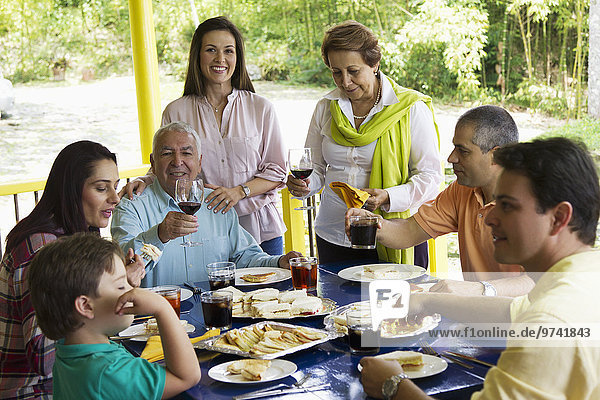 Zusammenhalt Fröhlichkeit Hispanier Gericht Mahlzeit