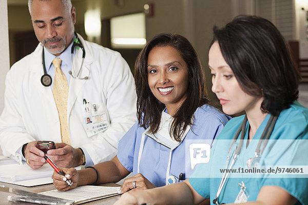 arbeiten Arzt Krankenhaus Krankenschwester Schwester Schwestern