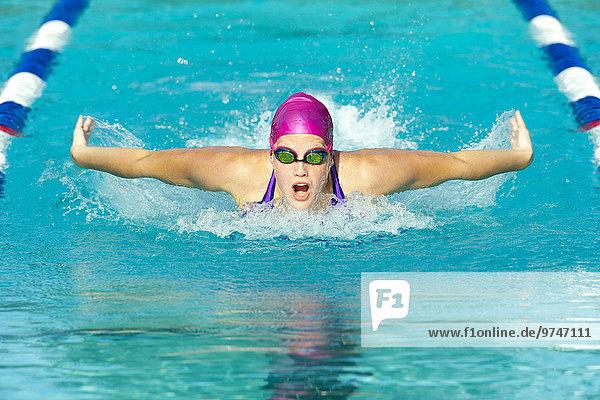 Landstraße Europäer schwimmen Schwimmer