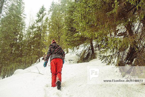 Europäer Hügel Schnee wandern klettern