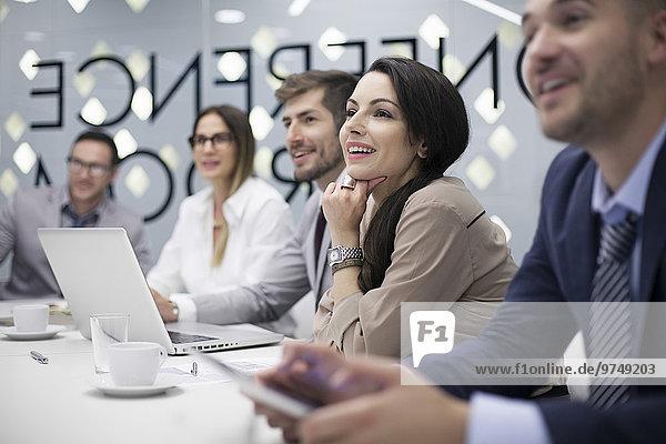 Europäer zuhören Mensch Büro Menschen Geschäftsbesprechung Besuch Treffen trifft Business