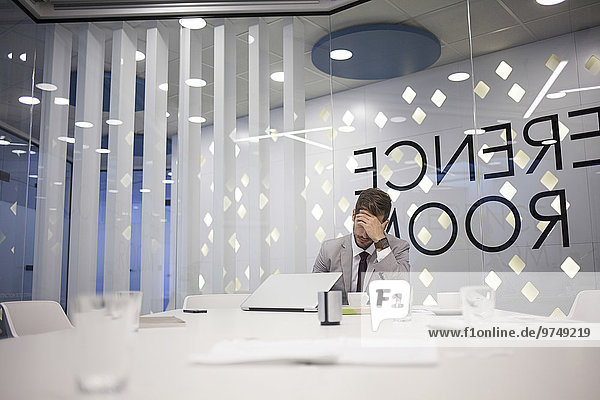 Europäer Geschäftsmann Geschäftsbesprechung Zimmer arbeiten Konferenz