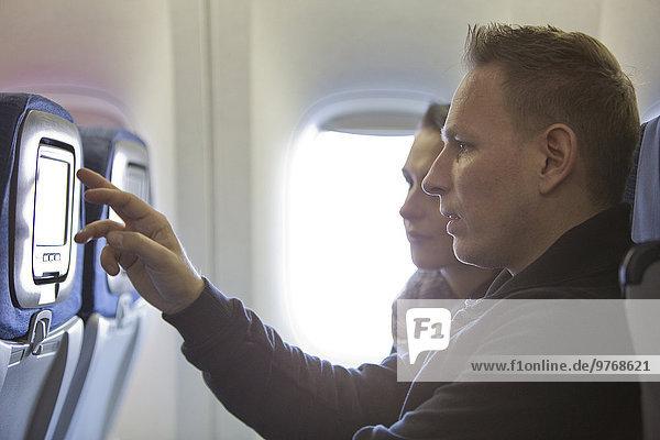 Paar in einem Flugzeug