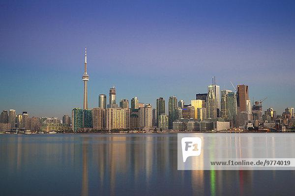 Skyline Skylines Großstadt Turm Nordamerika Ansicht Kanada Ontario Toronto