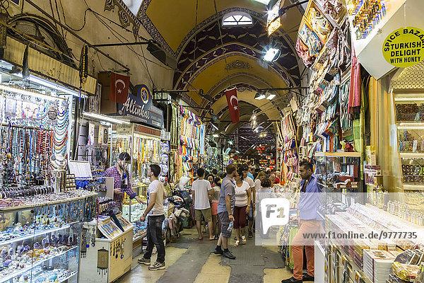 Europa Straße beschäftigt Kunde Verkäufer Größe Istanbul Türkei