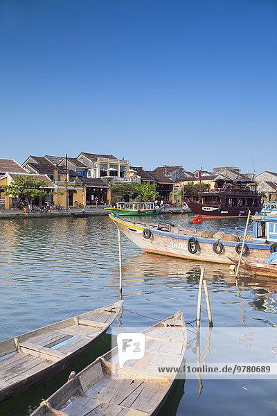 Boot Fluss Lagerfeuer Südostasien UNESCO-Welterbe Vietnam Asien Hoi An