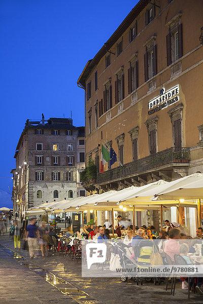Europa Restaurant Außenaufnahme Abenddämmerung Italien Umbrien