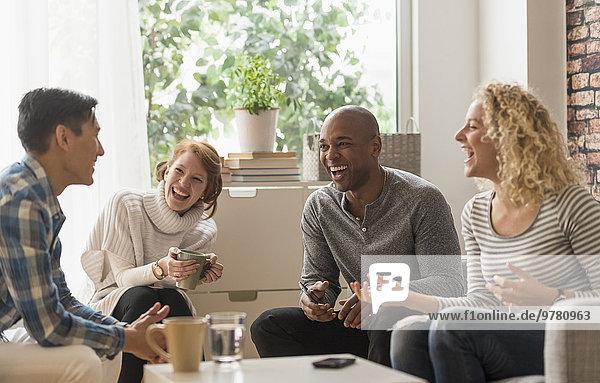 Freundschaft Zimmer abhängen Wohnzimmer