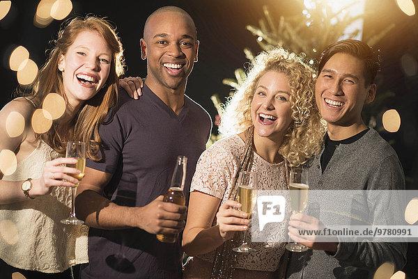 Fröhlichkeit Freundschaft Fest festlich Neujahrstag