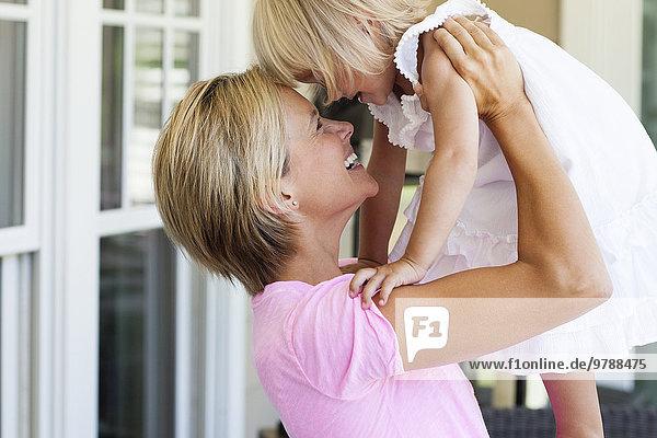 Europäer Vordach Tochter Mutter - Mensch spielen
