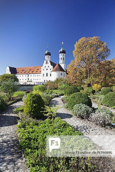 Benediktinerkloster  Benediktbeuern  Oberbayern  Bayern  Deutschland  Europa