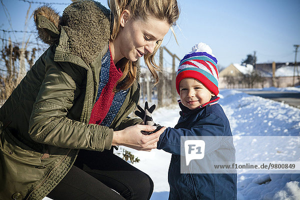 Sohn Landschaft Schnee Mutter - Mensch