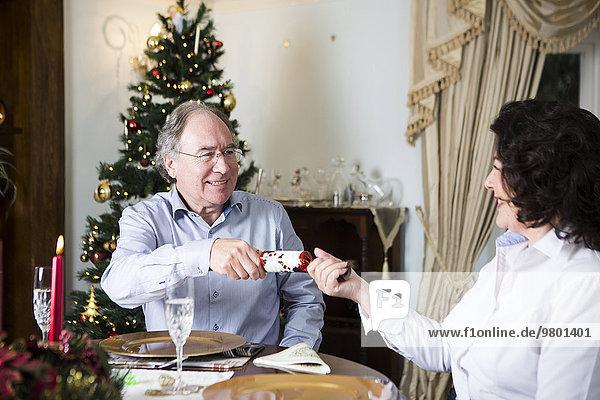 Senior Senioren aufmachen Weihnachten Cracker