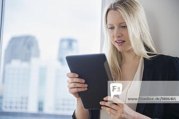 Geschäftsfrau Tablet PC