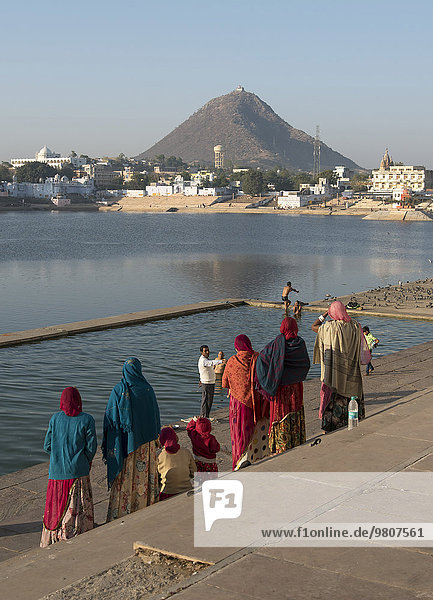 Ghats am Pushkar-See  Rajasthan  Indien  Asien