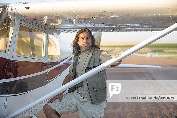 Pilot im Flugzeug  Wellington  Western Cape  Südafrika
