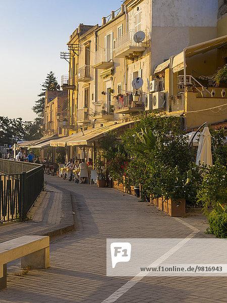 Italien  Sizilien  Siracusa  Restaurants an der Promenade der Altstadt