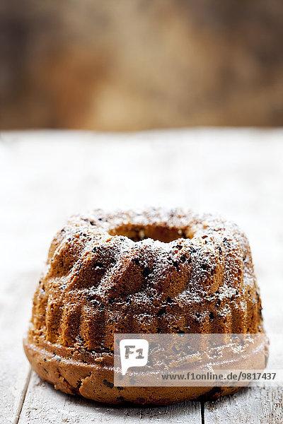 Schokoladenkuchen mit Puderzucker bestreut