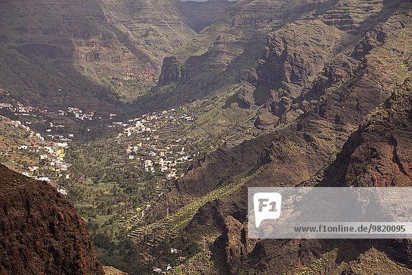 Spanien  Kanarische Inseln  La Gomera  Valle Gran Rey  Blick auf Bergdorf
