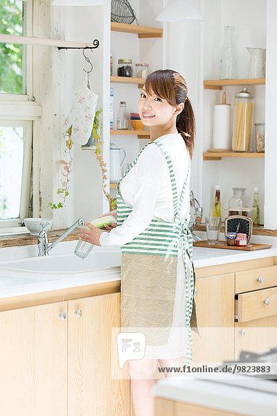 Attraktivität jung Hausfrau