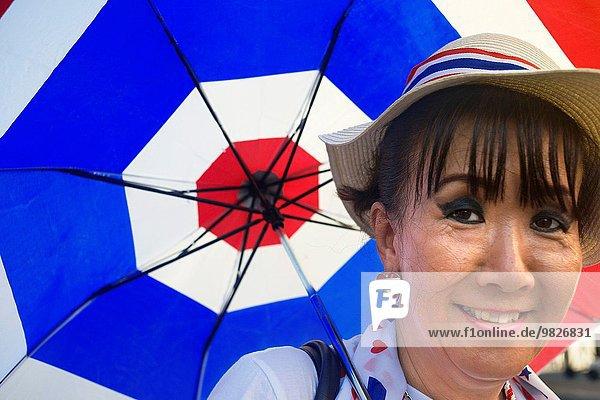 Bangkok Hauptstadt niedlich süß lieb Entdeckung Zimmer Regenschirm Schirm Tourist Hotel gehen angreifen Handel Alptraum Geschlechtsverkehr Thailand