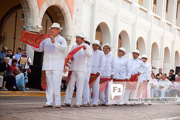 Morgen Senior Senioren Tänzer Nordamerika Mexiko Woche Show Sonntag Yucatan