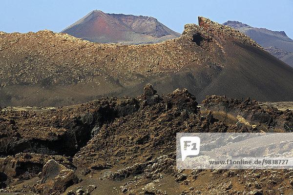 Feuerberge  Vulkanlandschaft im Nationalpark Timanfaya Montanas del Fuego  Lanzarote  Kanarische Inseln  Kanaren  Spanien  Europa