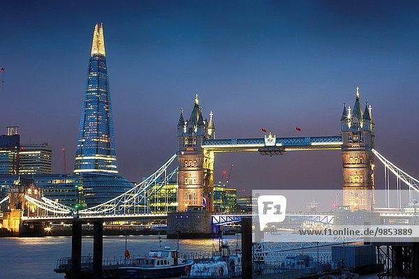 Europa Nacht Großbritannien London Hauptstadt Hochhaus Fluss Themse Glasscherbe Tower Bridge