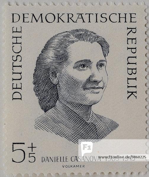 Danielle Casanova  eine französische Politikerin  1943 von den Nationalsozialisten getötet  Porträt auf einer Briefmarke der DDR von 1962