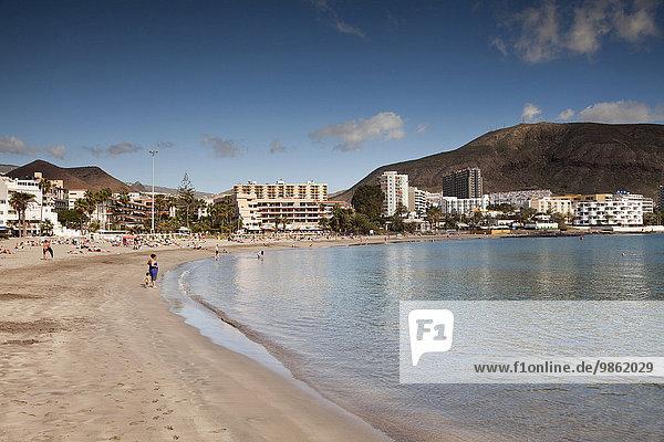 Strand und Hotels  Los Cristianos  Teneriffa  Kanarische Inseln  Spanien  Europa