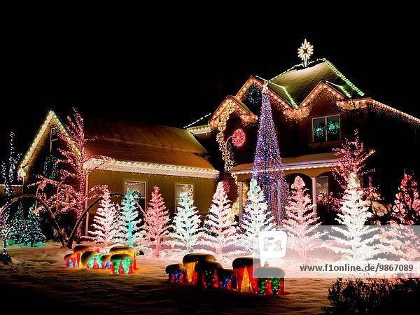 Vereinigte Staaten von Amerika USA Wohnhaus Nacht Beleuchtung Licht Weihnachten Dekoration American Fork Utah Utah