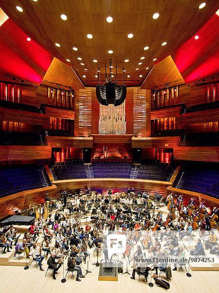 Zuschauerraum aufmachen Paris Hauptstadt Frankreich Wohnhaus Nacht Halle Architektur Architekt üben Design Studioaufnahme Toyota Akustik japanisch neu Orchester rund
