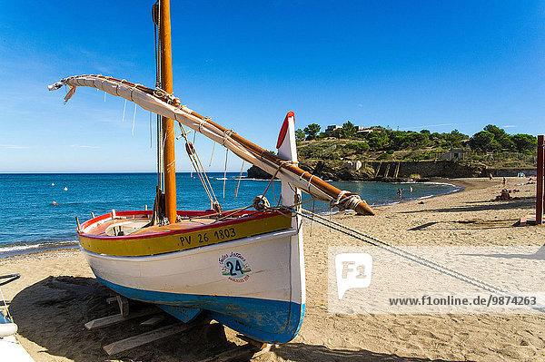Tradition Strand Boot angeln Renovierung Containerschiff Katalonien alt
