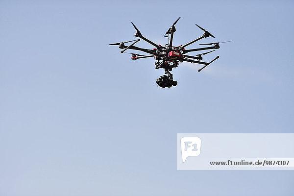 Autorität französisch fliegen fliegt fliegend Flug Flüge zustimmen Illustration Luftverkehr Pilot 02 Themen Luftfahrzeug