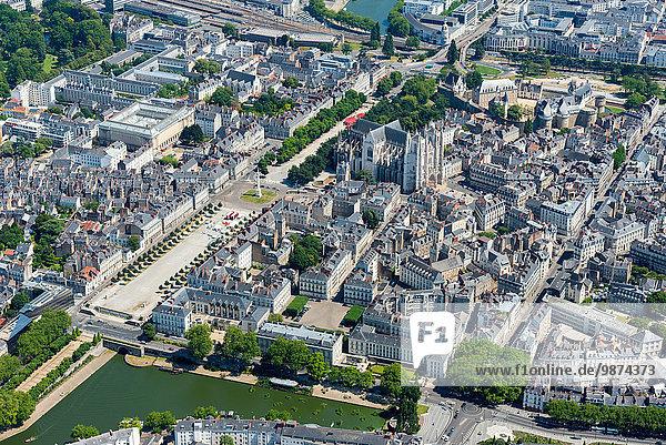 Palast Schloß Schlösser Kathedrale Kai Heiligtum Ansicht Nantes Luftbild Fernsehantenne Allee Bretagne Innenstadt Pierre