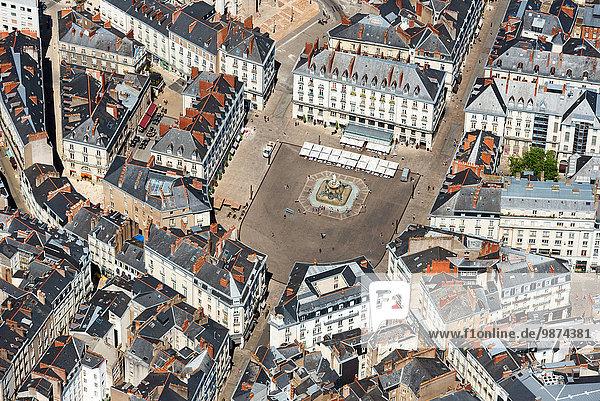 Lifestyle Gebäude Großstadt Quadrat Quadrate quadratisch quadratisches quadratischer Ansicht Nantes Innenstadt