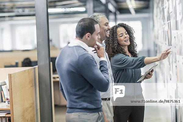 benutzen Mensch Büro Menschen Tablet PC Business