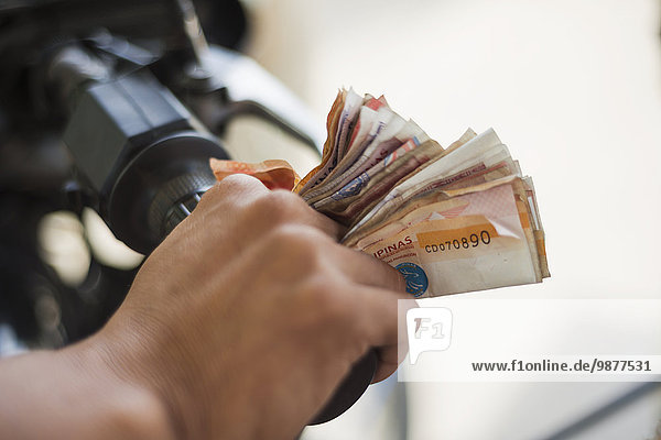 Mensch Menschen tragen arbeiten fahren Geld Laden typisch Boracay Weg