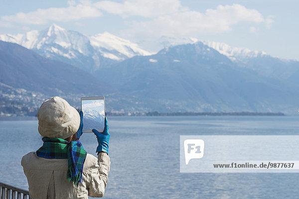 Fotografie nehmen Tourist See Alpen Langensee Lago Maggiore schweizerisch