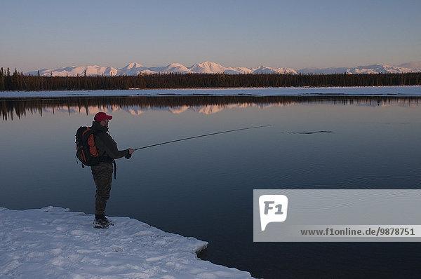 Sonnenuntergang Fluss angeln Kenai-Fjords-Nationalpark Alaska Fischer