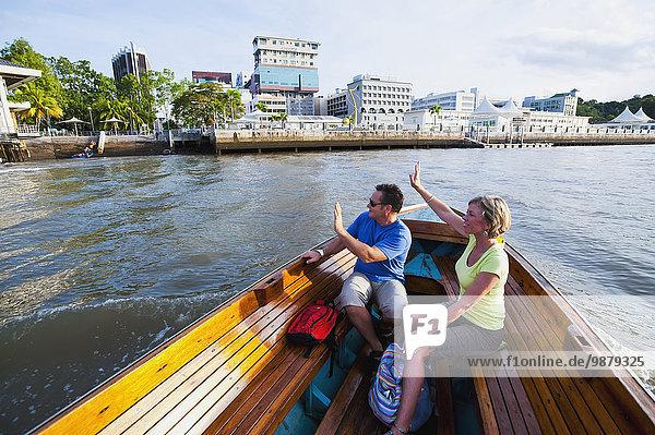 Bandar Seri Begawan Hauptstadt nehmen fahren Boot Fluss mitfahren