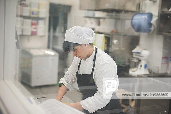 Bäckerwalzteig in der Küche
