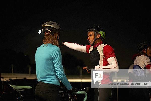 Fahrradfahrer Radrennbahn Diskussion