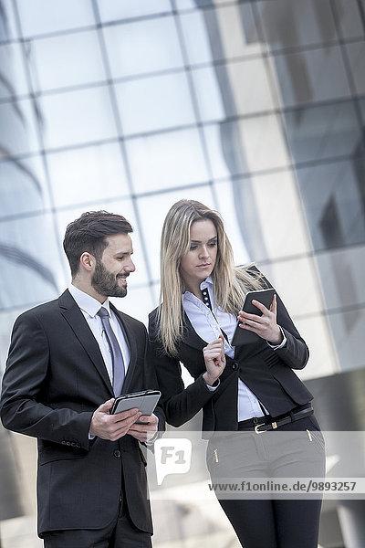 Außenaufnahme sprechen Freundschaft Business freie Natur