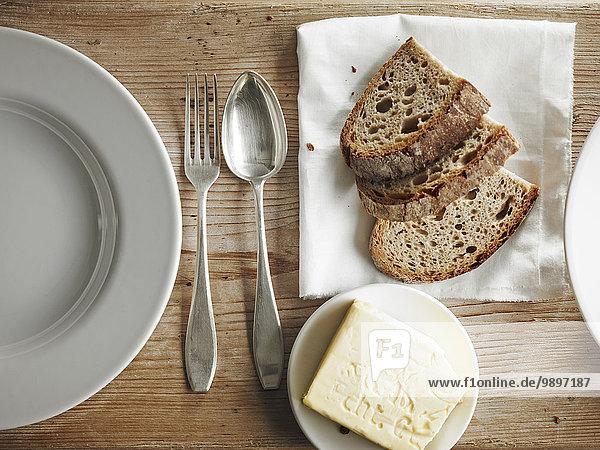 Butter und Brotscheiben