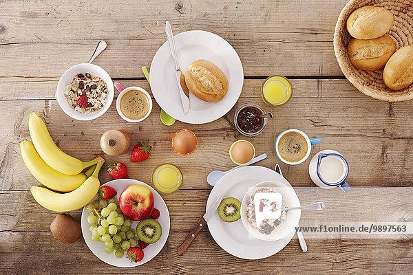 Frühstück auf dem Tisch Frühstück auf dem Tisch