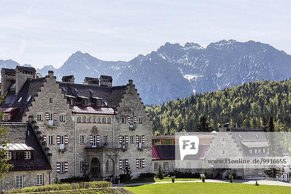 Schloss Kranzbach  Schlosshotel  Klais  Karwendelgebirge  Werdenfelser Land  Oberbayern  Bayern  Deutschland  Europa